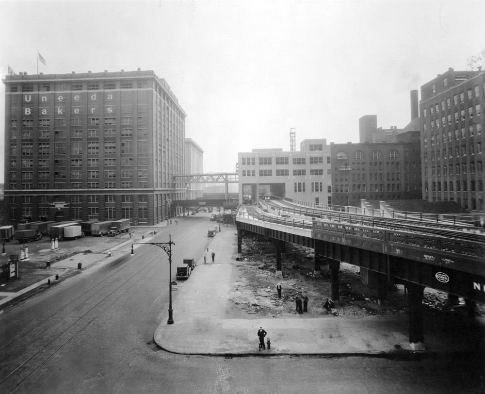 A black-and-white photo of old New York City
