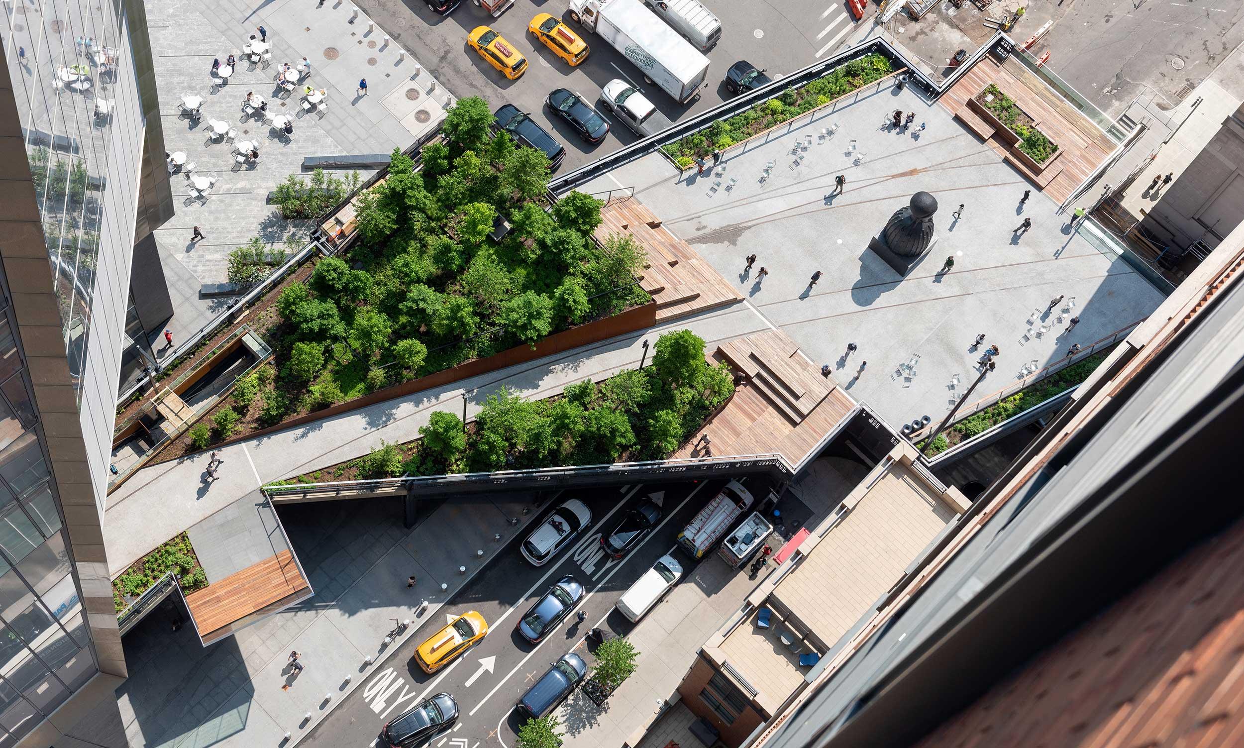 Aerial shot of a portio of the High Line